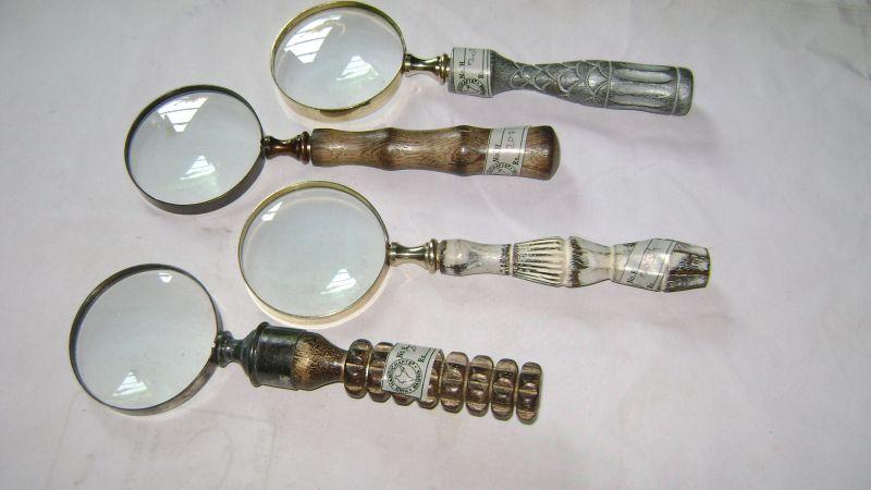 HHC08 Antique Wood Brass Magnifier
