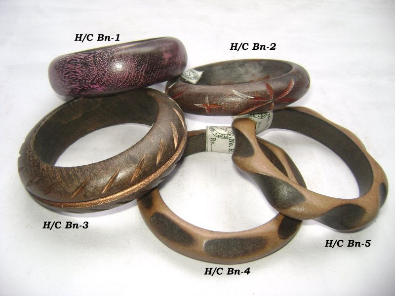 HHC138 Designer Wooden Bangle