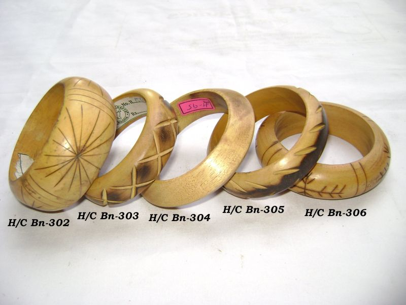 HHC140 Designer Wooden Bangle