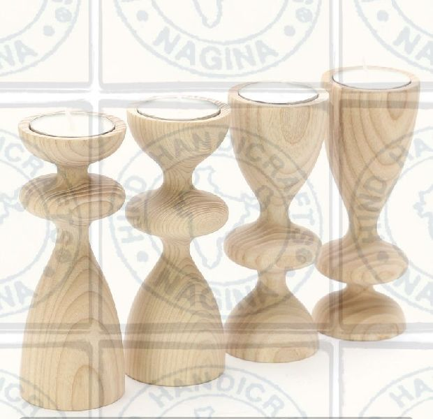 HHC152 Wooden Candle Holder