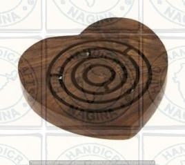 HHC192 Wooden Labyrinth Game