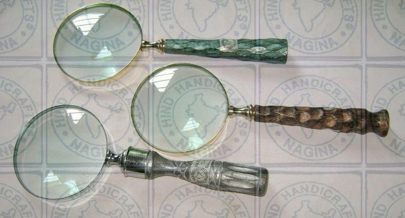 HHC22 Antique Wood Brass Magnifier