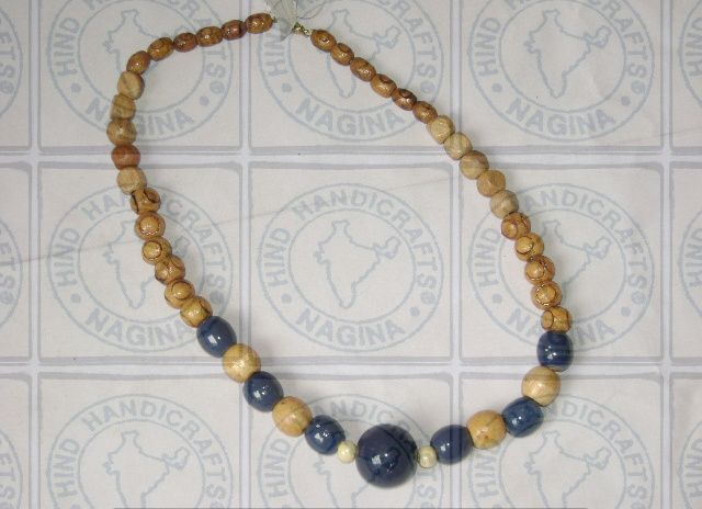 HHC223 Wooden Necklace