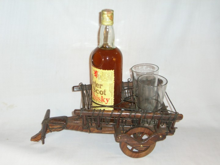 HHC285 Wooden Wine Bottle Stand
