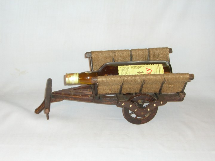 HHC286 Wooden Wine Bottle Stand
