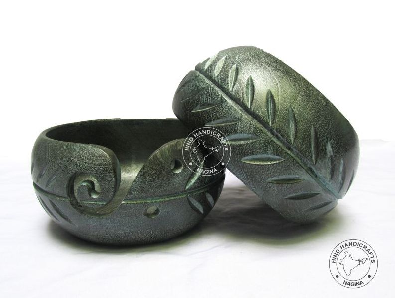 HHC292 Wooden Yarn Bowl