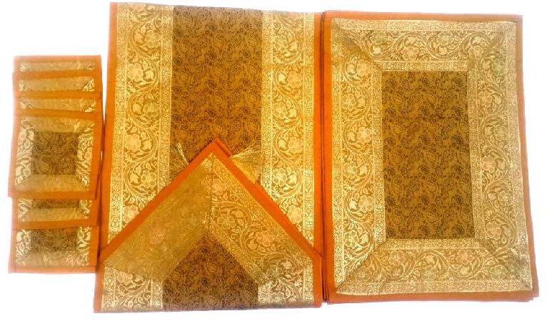 Table Runner Set 04