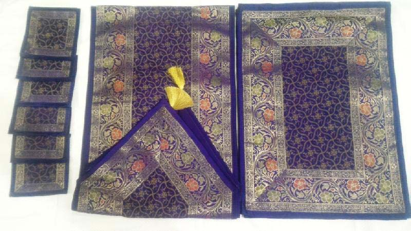 Table Runner Set 06