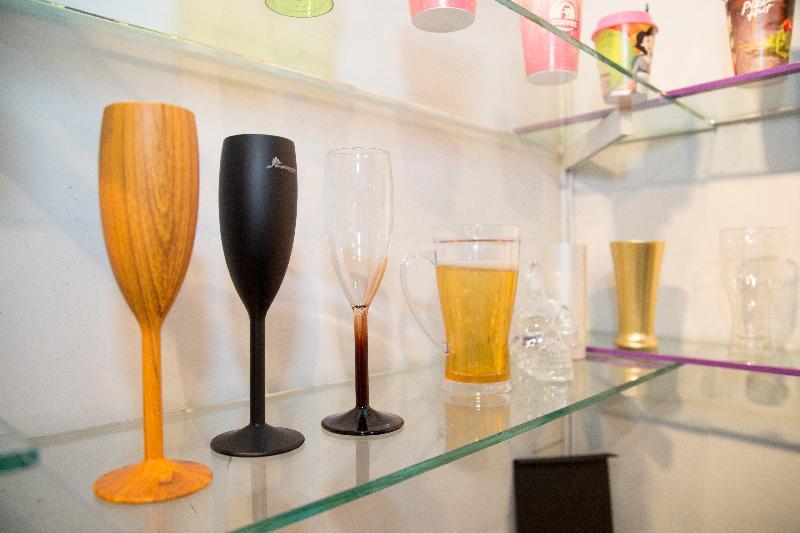Acrylic Drinking Glasses