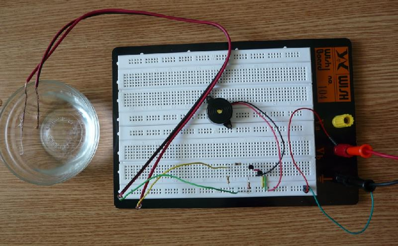 Water Level Indicator with Buzzer & Light