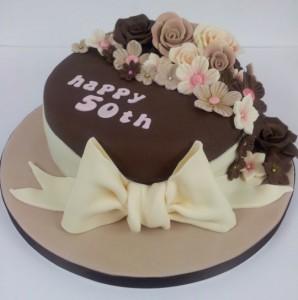 Golden Jubilee Cake 05