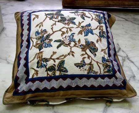 Cushion Cover (VV - 03)