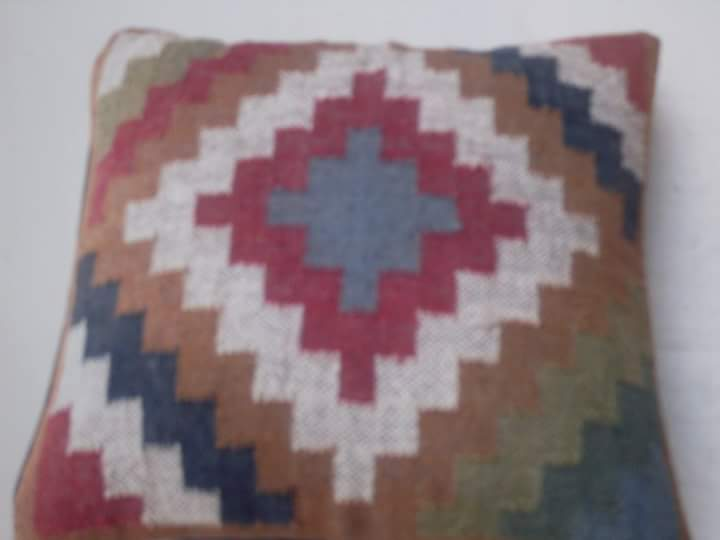 Handloom Cushion Cover 01
