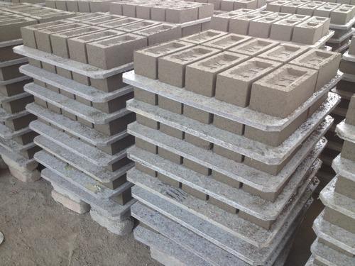 Brick Pallet 01