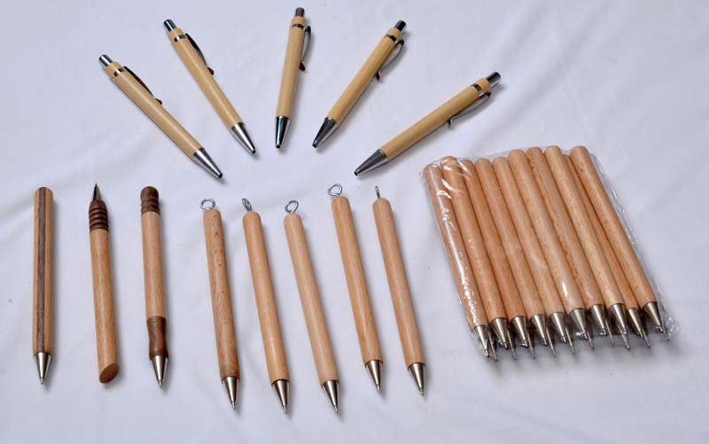 Wooden Pens 04