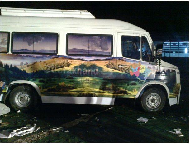 Mobile Van Branding Service 01