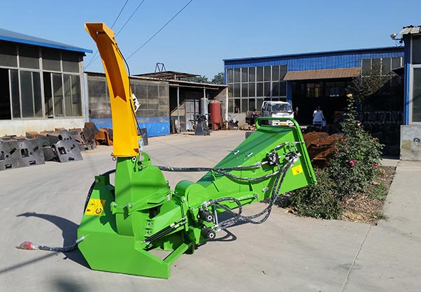 BX Wood Chipper 02