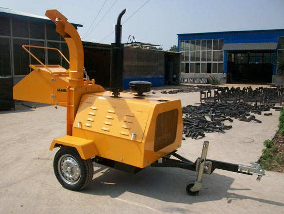 Diesel Engine Wood Chipper 02