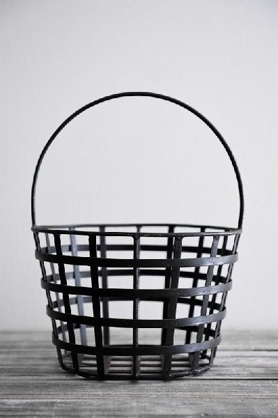 Iron Baskets 02