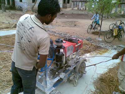 Kurb Cutting Machine