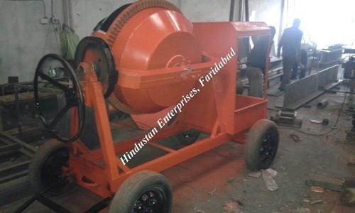 Portable Concrete Mixer 04