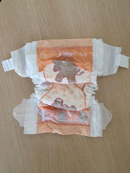 Baby Diaper Bales 02
