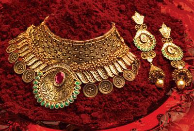 Gold Necklace Set 01