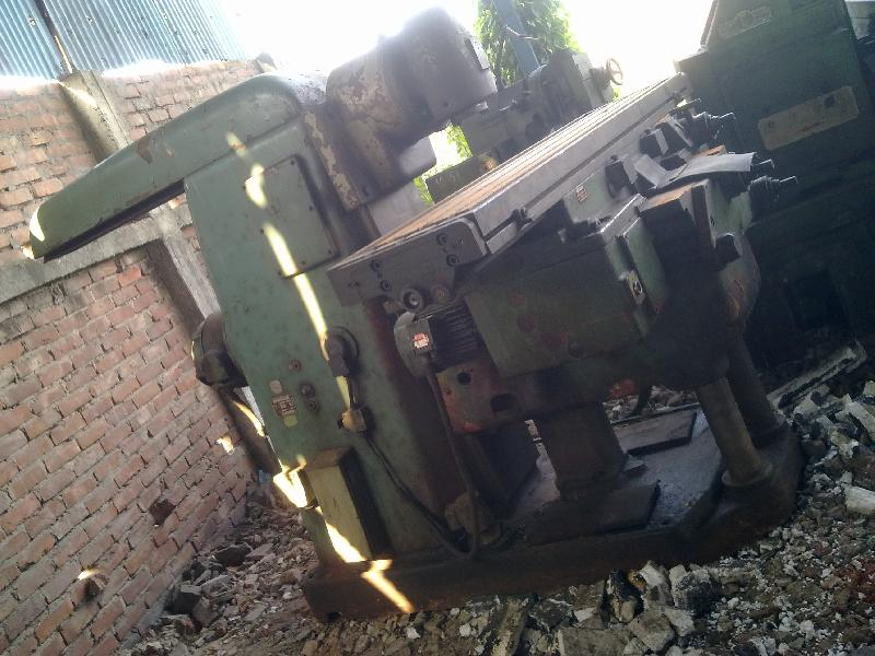 Universal Milling Machine - Horizontal + Vertical No.4
