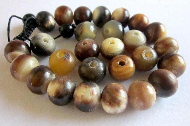 Horn Beads 01