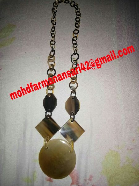 Horn Necklace 05