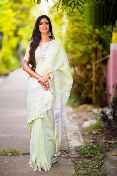 Linen Saree With Silver Zari Border 11