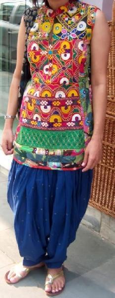 Kutch Work Patiala Salwar Suit 02