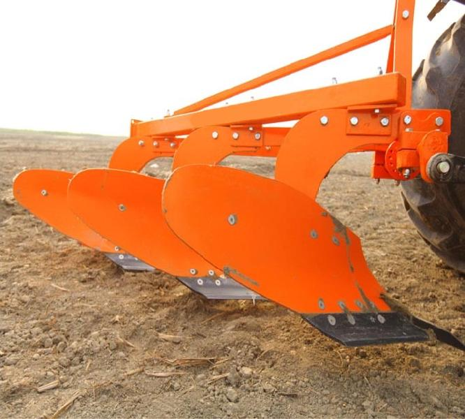 Mouldboard Plough 01