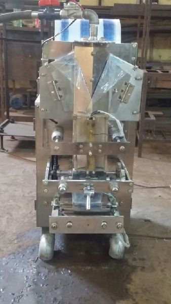 Pouch Packing Machine 03