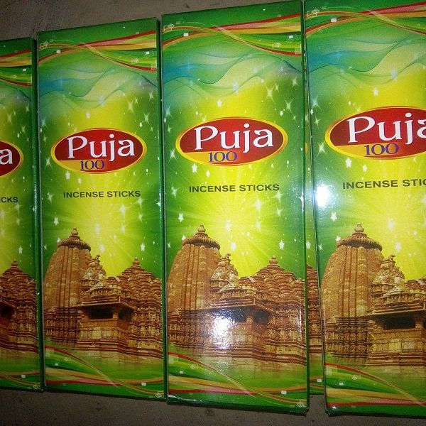 Puja 100 Incense Sticks 02