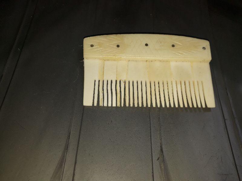 Horn Combs 02
