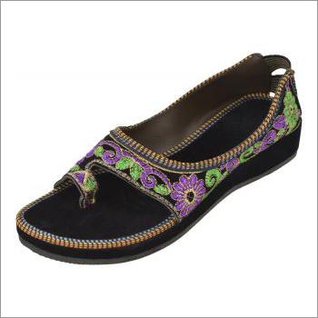 Ladies Black Printed Sandals