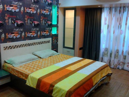 Wooden Platform Bed 01