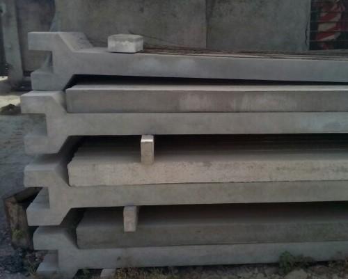 Y Shape Cement Poles