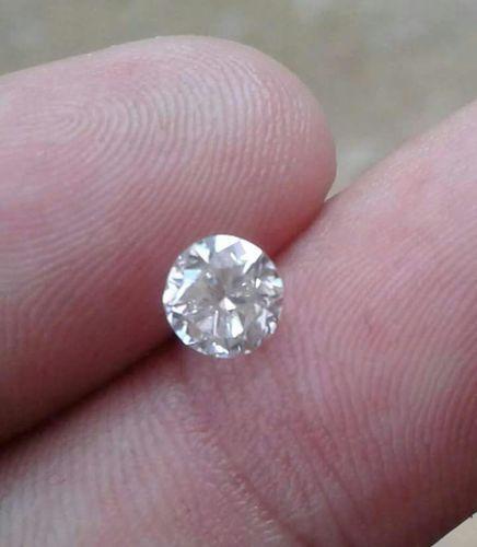 White Moissanite Diamond 05