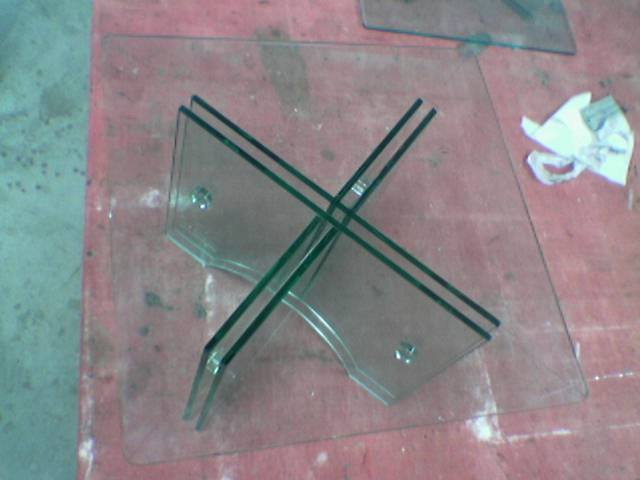 Bent Glass Table 01