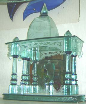 Designer Glass Temple 03
