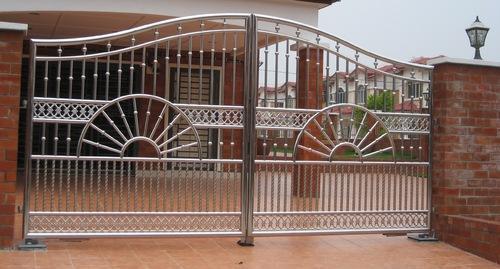 Steel Gate 01