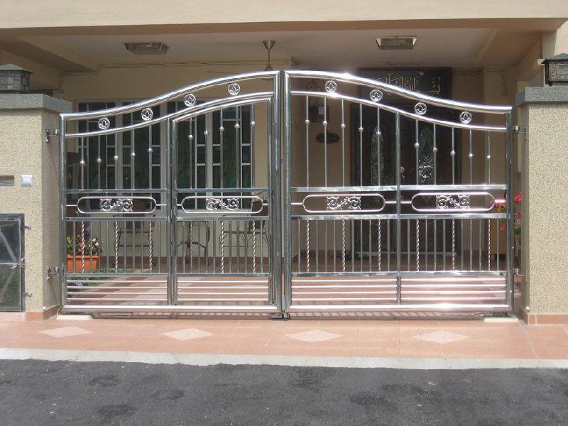 Steel Gate 02
