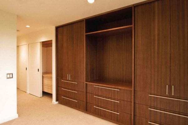 Wooden Wardrobes Exporter,Wooden Wardrobes Supplier in Oman,Wooden