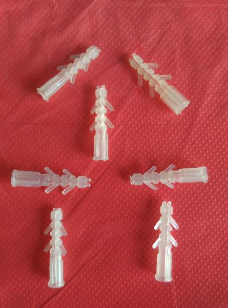 Plastic Wall Plugs 04
