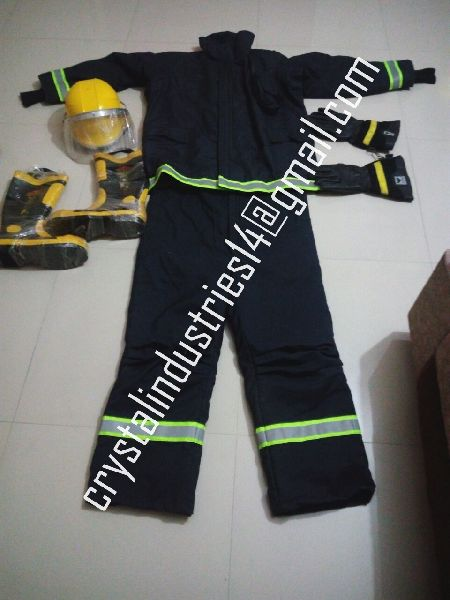 Fire Fighting Suit 01