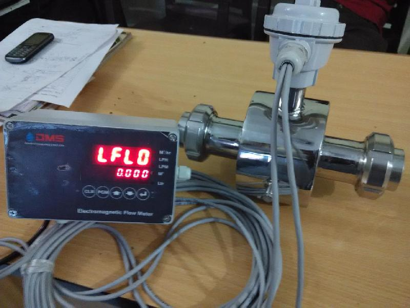 Digital Magnetic Flow Meter 02
