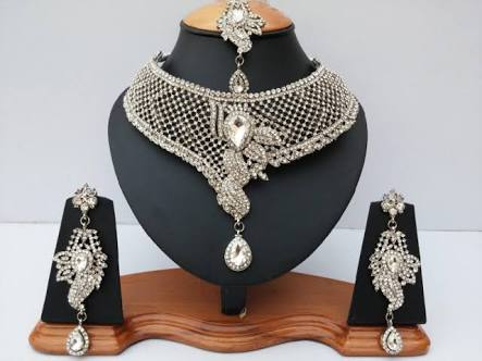 Necklace Set 03
