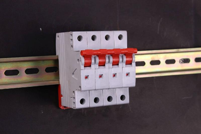 Four Pole Isolator